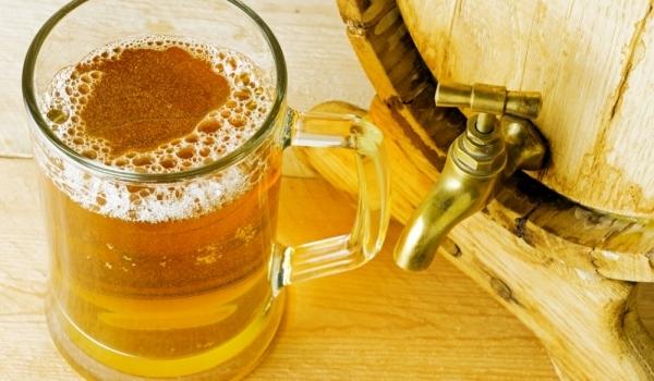 Светла домашна бира с горна ферментация