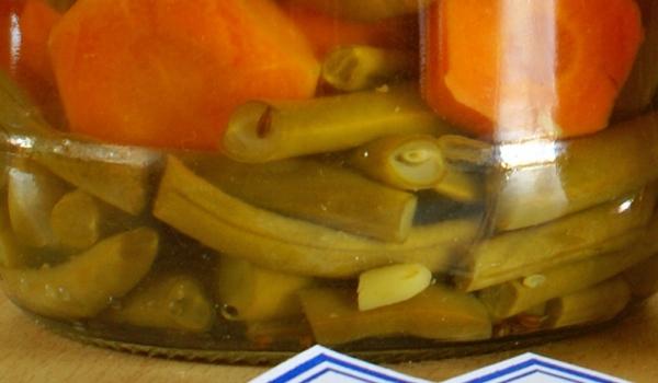 Зелен фасул с моркови