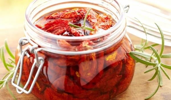 Мариновани чери домати