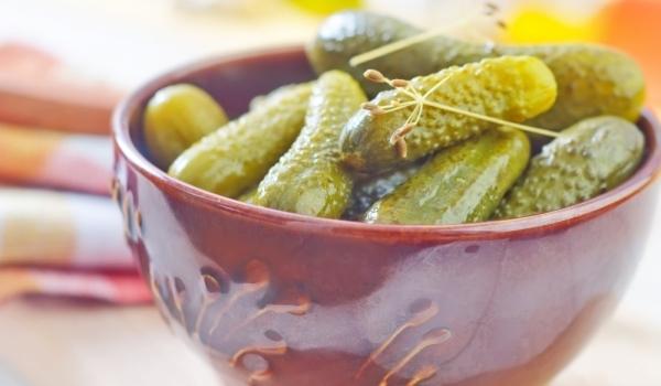 Кисели краставички по гръцки