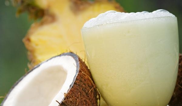 Газиран коктейл с кокос и ананас