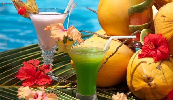 Тропически коктейл